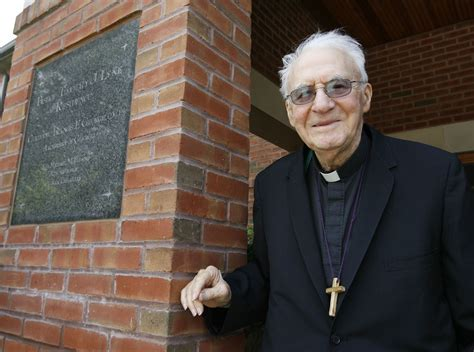 meet  archdioceses  oldest living priest