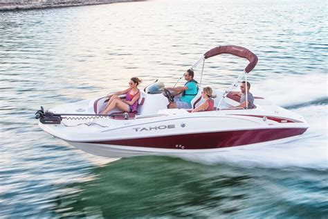 Tahoe 195 Deck Boat by Tahoe Boats Deck Boats 2017 195 Photo Gallery