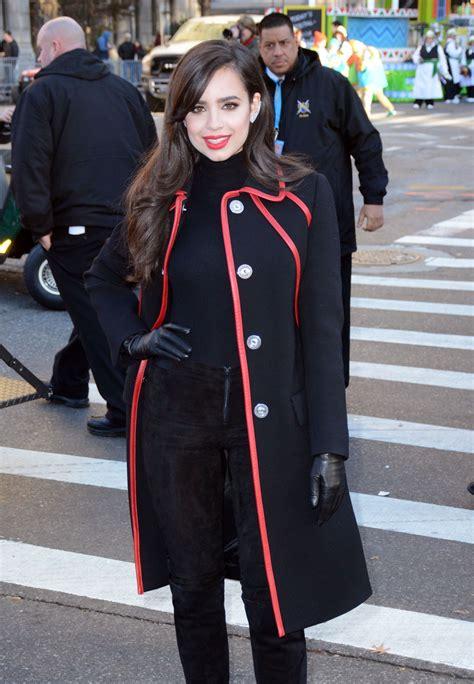 sofia carson  macys thanksgiving parade   york