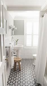 la salle de bain scandinave en 40 photos inspirantes With canapé scandinave convertible avec tapis de douche antidérapant