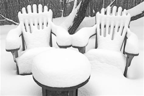how to properly store your outdoor furniture for the winter