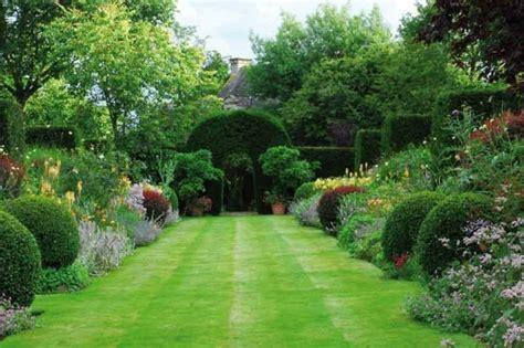 Tolle Garten Verschönern Große Bodenfliesen Pflanzen 25 Im