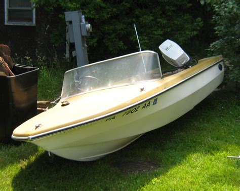 Glastron Boats Vintage by Restoring An Glastron Boat Page 1 Iboats Boating