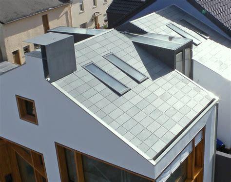 Moderne Häuser Dach by Ein Dach Wie Ein Strich Mit Schiefer Und Hinterschnitt