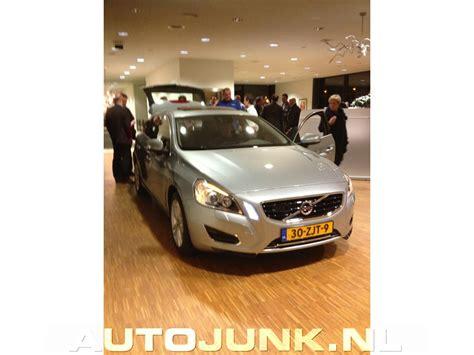 Volvo V60 Hybrid Fotos Autojunknl 85718