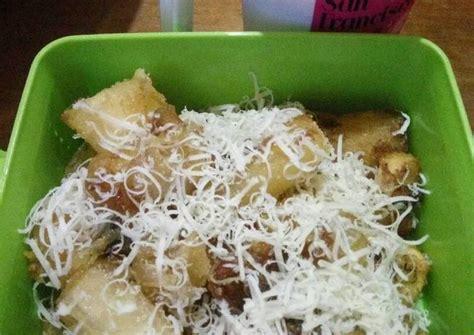 Resep singkong goreng yang unik dengan rasa asin, gurih dan garingnya yang istimewa! Resep Singkong Keju Crispy oleh YesMayo KitchenParay - Cookpad