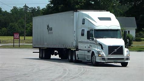 volvo trucks north america    caminhoes da