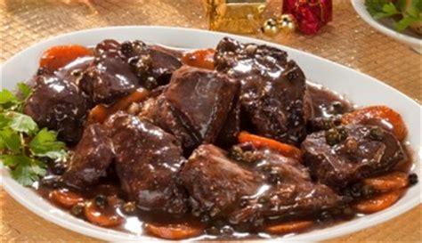 cuisiner le sanglier avec marinade civet de sanglier du papy les pieds sous la table