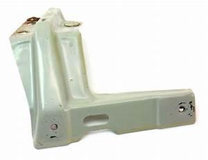 Lh Fender Mount Bracket 99