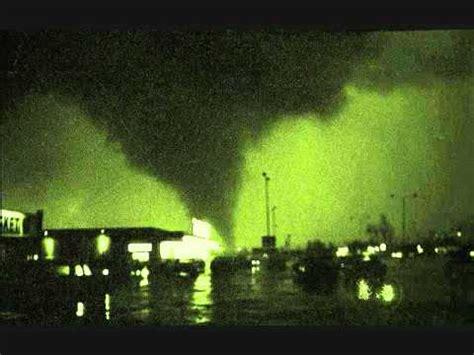oak lawn illinois tornado radio broadcast coverage