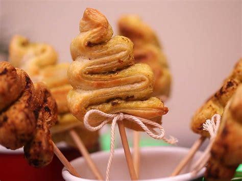 recette de cuisine drole mini sapins feuilletés pour l 39 apéro de noël en vidéo