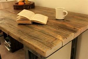 Hochtisch Küche : bartisch aus holz effektvoll und klassisch ~ Pilothousefishingboats.com Haus und Dekorationen