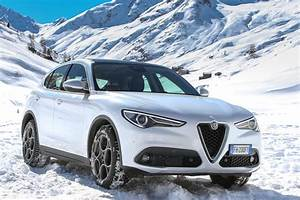 Alfa Romeo Stelvio Versions : alfa romeo launches stelvio in europe and other markets with two new engines and rwd ~ Medecine-chirurgie-esthetiques.com Avis de Voitures
