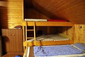 Hochbett Bauen Lassen : hochbett in einer dachschr ge so funktioniert 39 s ~ Michelbontemps.com Haus und Dekorationen