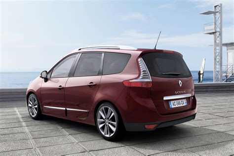 scenic renault renault facelifts scenic mpv range on sale in january