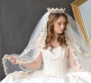 Beautiful Wedding Veils, Hair Down, Tiaras, and Over Face ...
