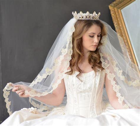 NEW?Lovely Wedding Tiara , Birthday Tiara And Princess Crown
