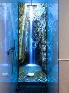 Küchenrückwand Glas Beleuchtet : beleuchtete duschr ckwand dank ledscreen technik ~ Frokenaadalensverden.com Haus und Dekorationen