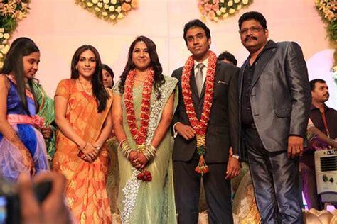 actress lakshmi daughter samyuktha suriya ar rahman at ks ravi kumar s daughter s reception