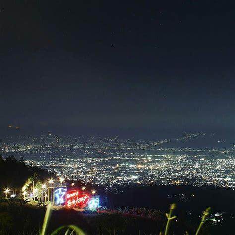 melihat indahnya kota bandung  ketinggian