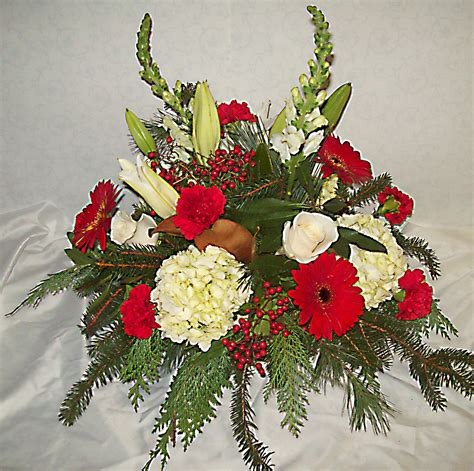 christmas centerpieces delivered flower arrangements florist delivery prospect ct waterbury cheshire naugatuck