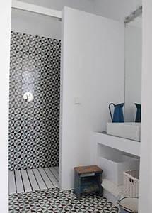 Petite Salle De Bain Avec Douche Italienne : une petite salle de bain d co avec douche italienne ~ Carolinahurricanesstore.com Idées de Décoration