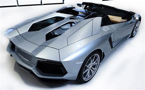 New Lamborghini Aventador Lp700-4 Roadster Wallpaper