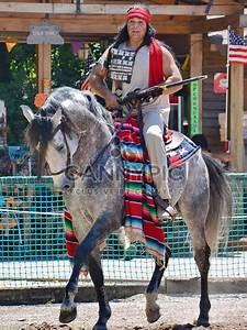 Costume D Indien : t l chargement gratuit d 39 image cavalier de cheval dans un costume d indien d am rique 334855 ~ Dode.kayakingforconservation.com Idées de Décoration