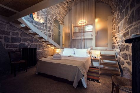 15 rustic bedroom designs that will you want them