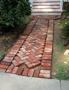 Gartenwege Anlegen Ideen : gartenwege anlegen mit ziegelsteinen so wird es gemacht gartengestaltung garten und ~ Markanthonyermac.com Haus und Dekorationen