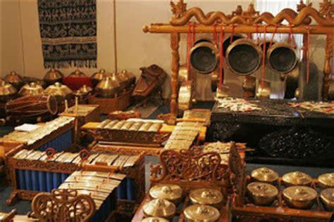 Alat musik daerah jawa tengah yang berikutnya adalah kenong. Ragam Budaya Indonesia Gamelan | D4ni3l2001's Blog