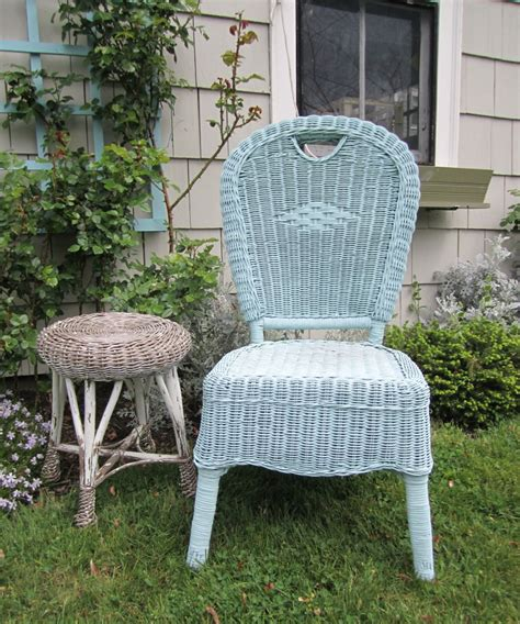 wicker furniture set wizker brush white chairs spray
