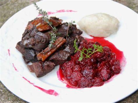cuisine du chevreuil recettes de chevreuil et airelle