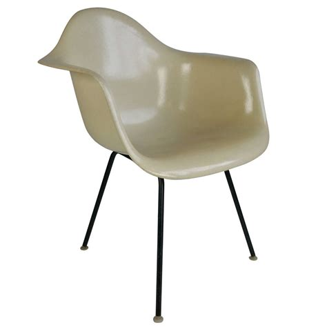 eames chaises charles eames parchment arm shell chair herman miller for sale at 1stdibs