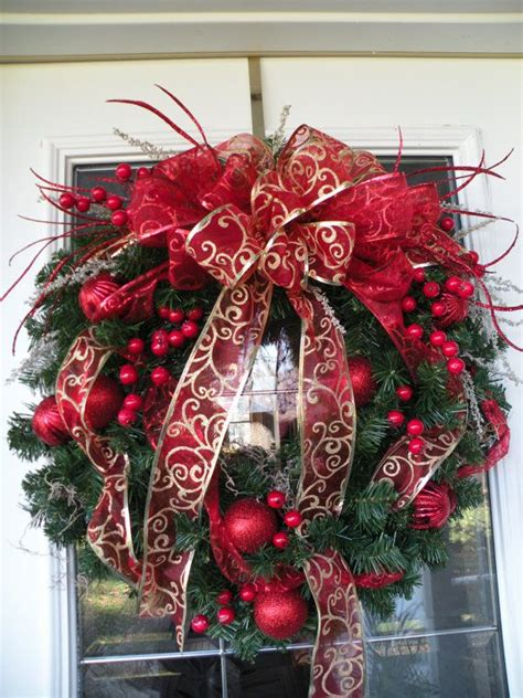 traditional christmas wreaths ideas 32 amazing red and gold christmas d 233 cor ideas digsdigs