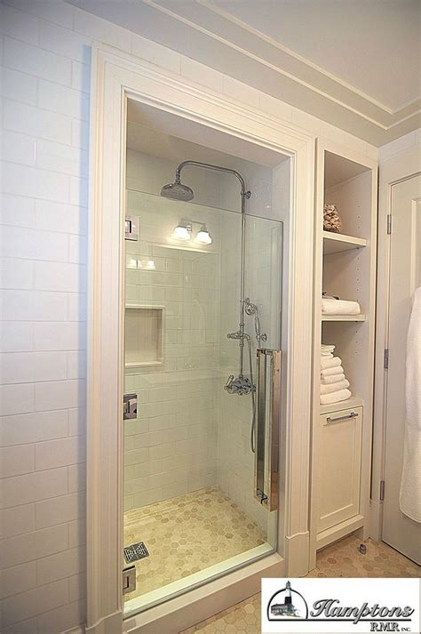 shower stall ideas for a small bathroom 25 best ideas about small bathroom showers on