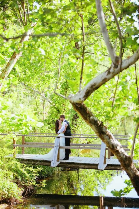 5 Reasons To Hold Your Wedding At A Summer Camp Rustic