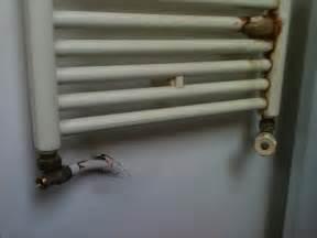 Comment Démonter Un Radiateur En Fonte : enlever un radiateur s che serviette ~ Premium-room.com Idées de Décoration