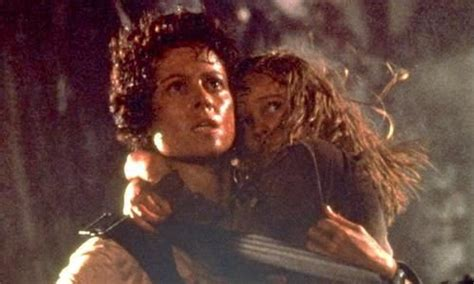 Ridley Scott Wants To Digitally De-Age Sigourney Weaver To ...