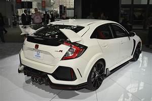 Honda Type R 2018 : ny show 2018 honda civic type r granted u s entry carscoops ~ Medecine-chirurgie-esthetiques.com Avis de Voitures