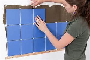 Poser Une Credence : poser un carrelage mural en cr dence diy family ~ Melissatoandfro.com Idées de Décoration