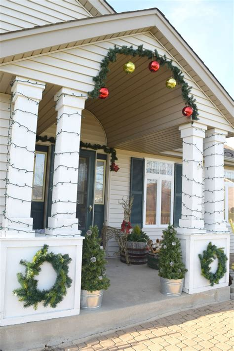 decorating porch columns for christmas fashion a diy christmas topiary from a basic tomato cage