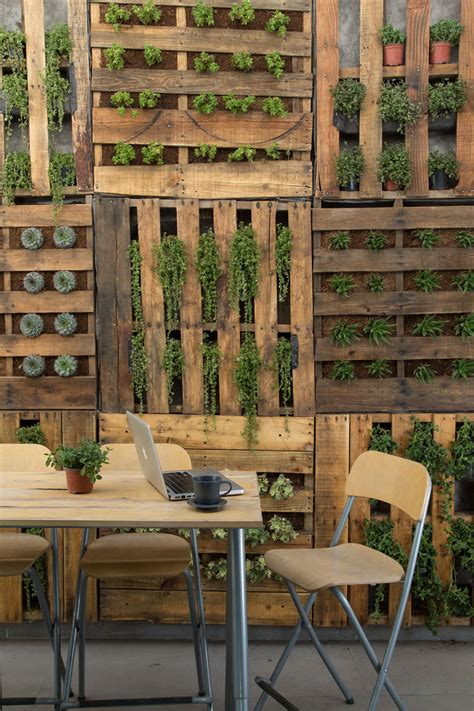 shipping pallet diy ideas   web huffpost