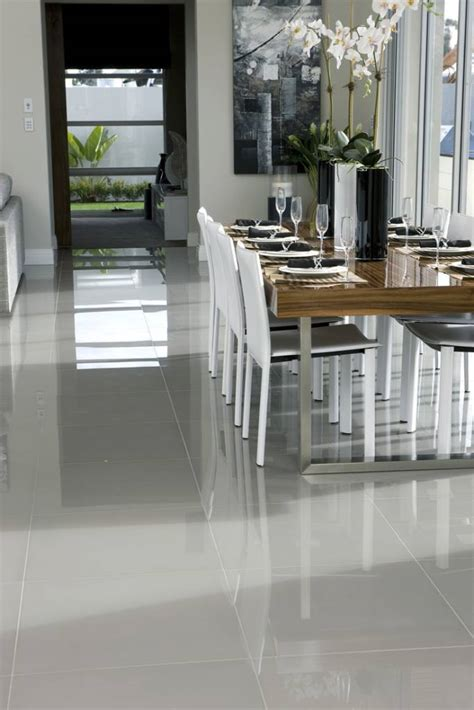 modern floor tiles for kitchens piso em tons de cinza detalhes m 225 gicos 9202