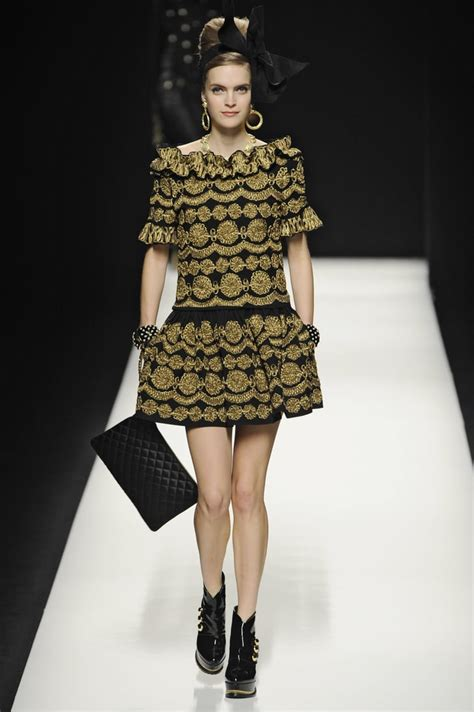 moschino runway fall popsugar fashion