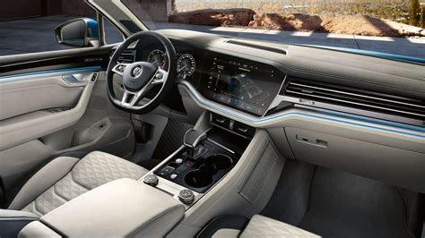 vw touareg  sense space continental cars
