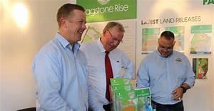 Deputy Premier Jeff Seeney tours Yarrabilba and Flagstone ...