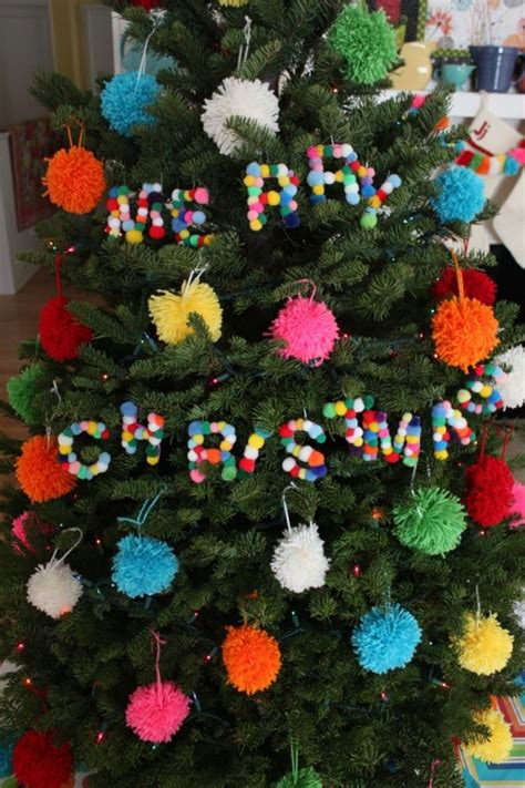 soft  cozy diy pompom christmas decorations