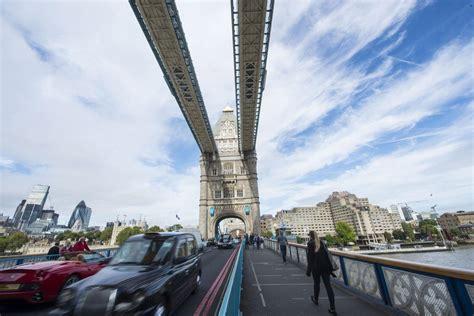 Sadiq Khan Signals Go-ahead For Three New Thames River