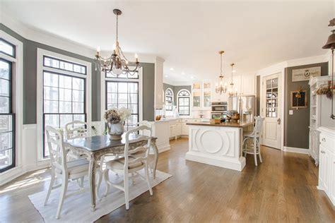 decoration salon avec cuisine ouverte cuisine idee deco cuisine ouverte sur salon avec clair
